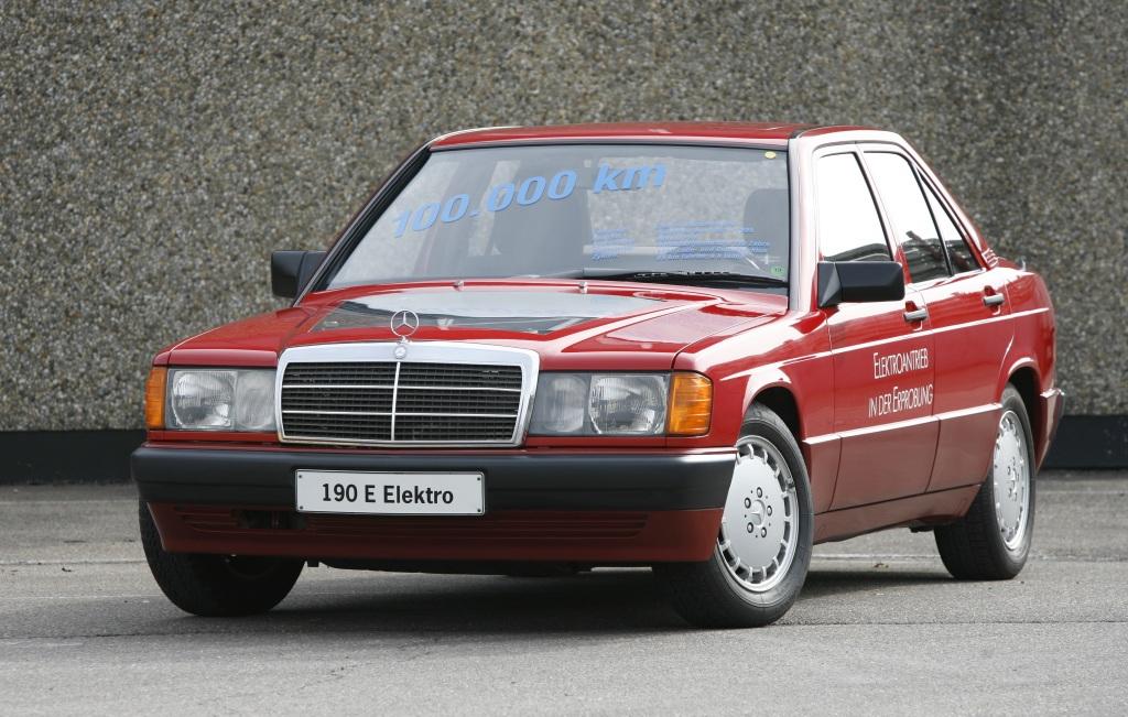 Foto Erprobungsfahrzeug Mercedes-Benz Typ 190 (W 201) mit Elektroantrieb, 1991.
