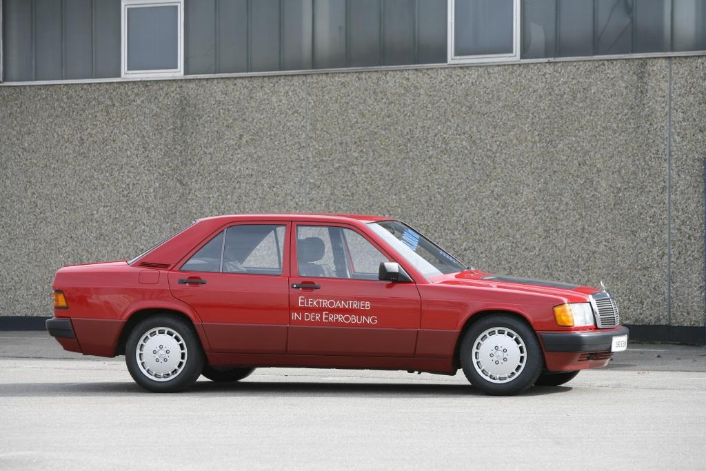 Foto Erprobungsfahrzeug Mercedes-Benz 190 (W 201) mit Elektroantrieb, 1991.